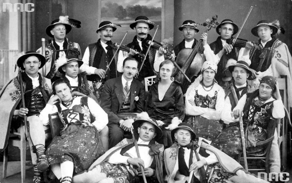 Franciszek Michalina Ćwiżewicz wraz z zespołem